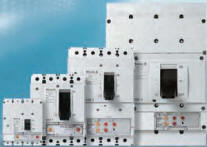 4 Pole Circuit Breakers